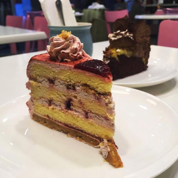Tokyo-Bubble-Tea-Strawberry-Shortcake